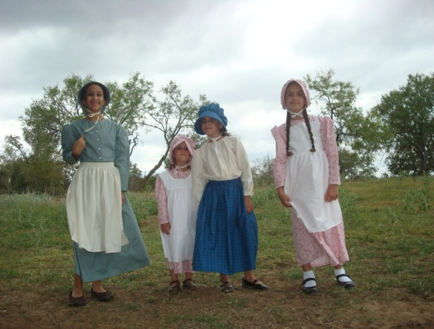 Old Fashioned Pioneer Clothing